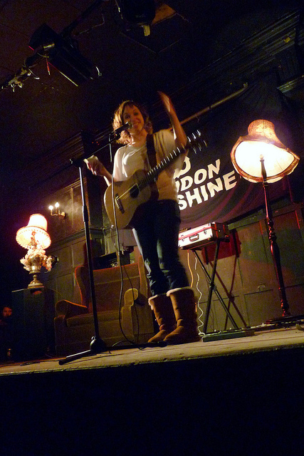 Isy Suttie performing at the Amersham Arms on 7 Feb 2011