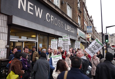 Protesters outside New Cross library, 5 Feb 2011, 16.21